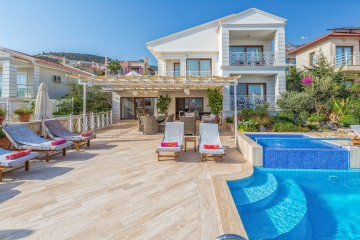 5 bedroom holiday villa in kalkan