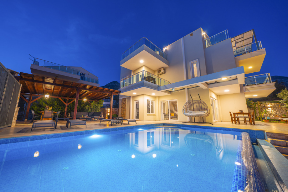 Villa Pirlanta - a 4 bedroom villa in Kalkan with great views