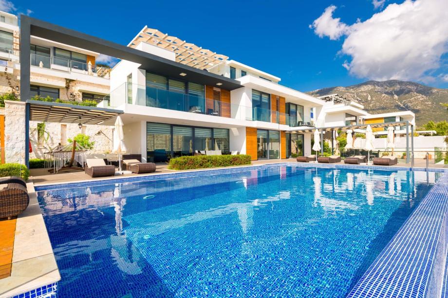 Villa Zaffre - 4 bedroom holiday rental villa in Kalkan
